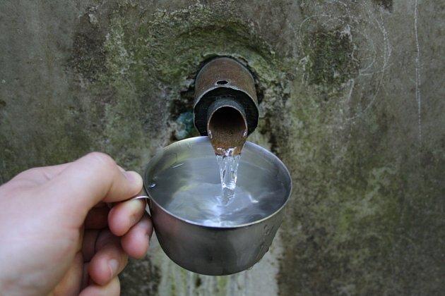 Voda z jitřního pramene je mírně radioaktivní a lázeňští lékaři ji doporučují k pitné kúře.