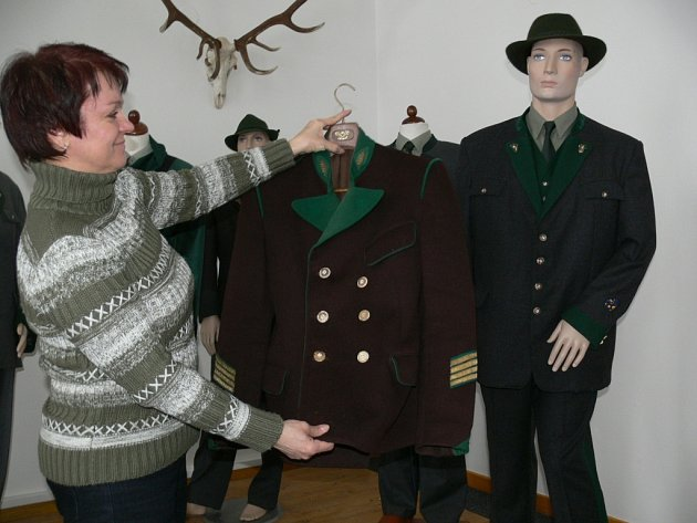 Z výstavy uniforem v šumperském muzeu