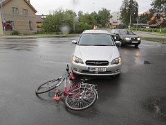Osobní vůz srazil na křižovatce ulic Temenická a Šumavská cyklistku.