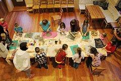 Díky Spolkovně a sdružení Crhovská chasa funguje v Crhově živá komunita lidí.