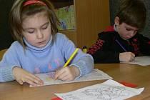 Budoucí prvňáčci, kteří přišly v pátek 6. února k zápisu na Základní školu v ulici 8. květ v Šumperku, ani nepoznali, že si je učitelé testují.