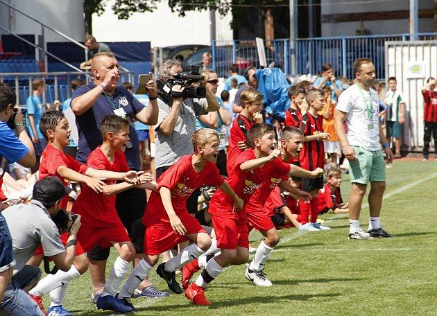 Hráči ZŠ Sluneční Šumperk ovládli 22.ročník McDonald'sCupu a jejich trenér Petr Strnad
