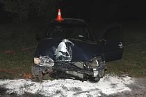 Řidič v nedšli havaroval ve Velké Kraši.