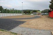 Hřiště ve Vidnavě před dokončením.