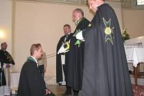 Z přijímání nových členů Řádu svatého Lazara Jeruzalémského v Bludově
