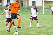 Matěj Šinogl z Velkých Losin (oranžový dres)