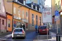 V historickém centru Zábřehu má pomoci ke zklidnění dopravy a větší bezpečnosti omezení rychlosti na třicet kilometrů za hodinu. Je to úplně první zóna 30 ve městě.