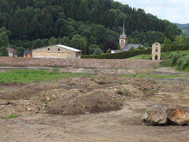 Areál bývalé pily v Jeseníku – Bukovicích v květnu 2016.