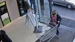 Zlodějka v jesenickém supermarketu v akci