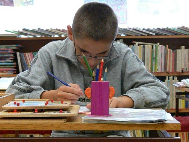 V knihovně v Šumperku si mohou o prázdninách děti zasoutěžit.