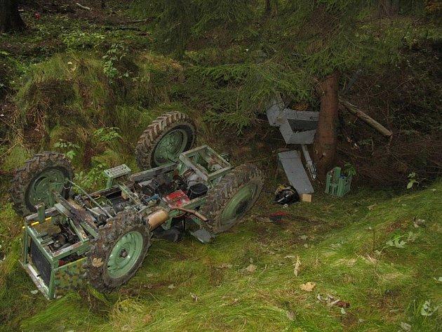 Řidič havaroval s malotraktorem v Jindřichově