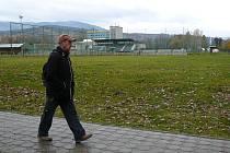 Lokalita pro vybudování skateboardového hřiště v Jeseníku mezi fotbalovým stadionem a koupalištěm.
