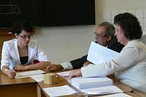 Většina učitelů Střední školy památkové péče v Šumperku se sice připojila ke stávce, maturity ale pokračovaly podle plánu.