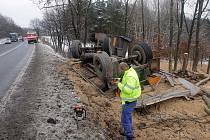 Bouračka kamionu u Studené Loučky