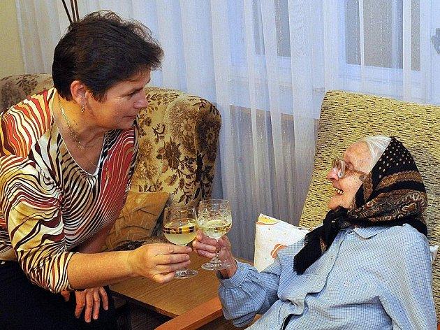Anna Gieslová z Palonína během oslav stých narozenin