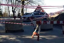 Hraniční přechod v Travné  v neděli 15. března dopoledne.