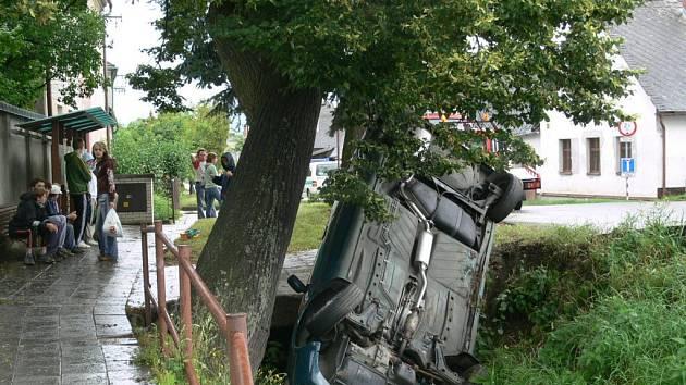 Ačkoliv nehoda vypadala drasticky, nikomu se při ní nic nestalo.