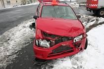 Devatenáctiletý řidič havaroval ve Skorošicích.