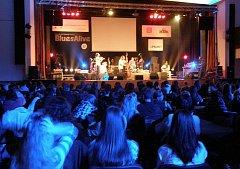 Školáci na bluesovém koncertu