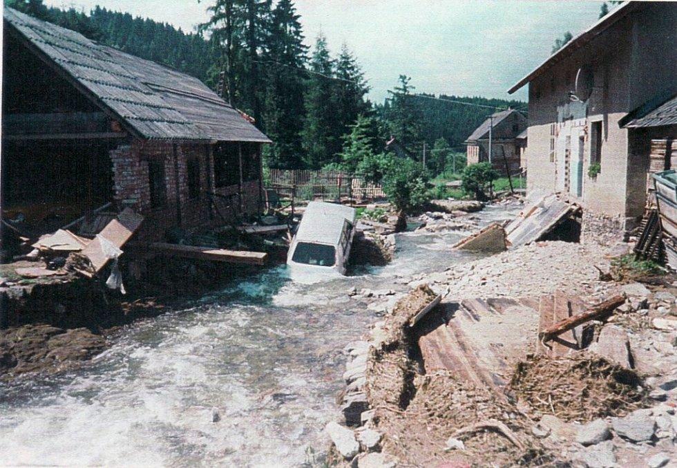 Července 1997 v Nových Losinách, jedné z osad Jindřichova