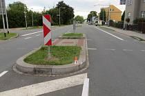 Řidička při nehodě v Šumperku pobourala dva středové ostrůvky.