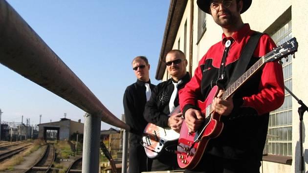 Porotu i diváky se bude snažit zaujmout i kapela St. Johnny And Southern Two.