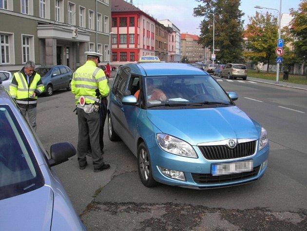 Policisté v Šumperku kontrolovali autoškoly.