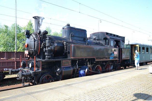 Z Letohradu do Hanušovic bude v létě s parními vlaky zajíždět lokomotiva Velký Býček.