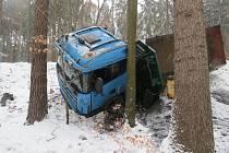 Bouračka náklaďáku u obce Rohle