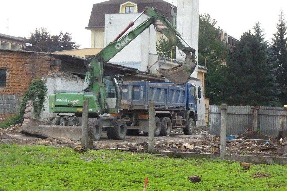 V Zábřehu začala stavba silničního průtahu mezi prodejnu Billa a ulicí Havlíčkovou.