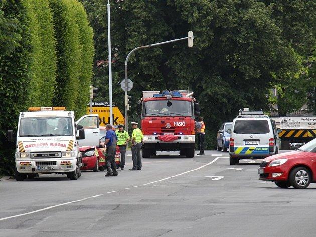 Nehoda dvou osobních automobilů na křižovatce ulic Jesenická a M. R. Štefánika v Šumperku.