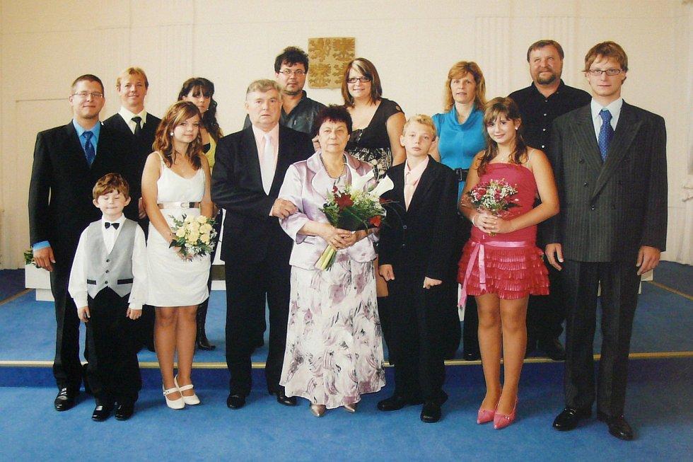 Zlatá svatba manželů Lanšperkových před deseti lety.
