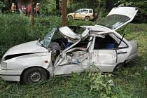 Osmasedmdesátiletý řidič havaroval kolem poledne mezi obcemi Vlaské a Malá Morava.