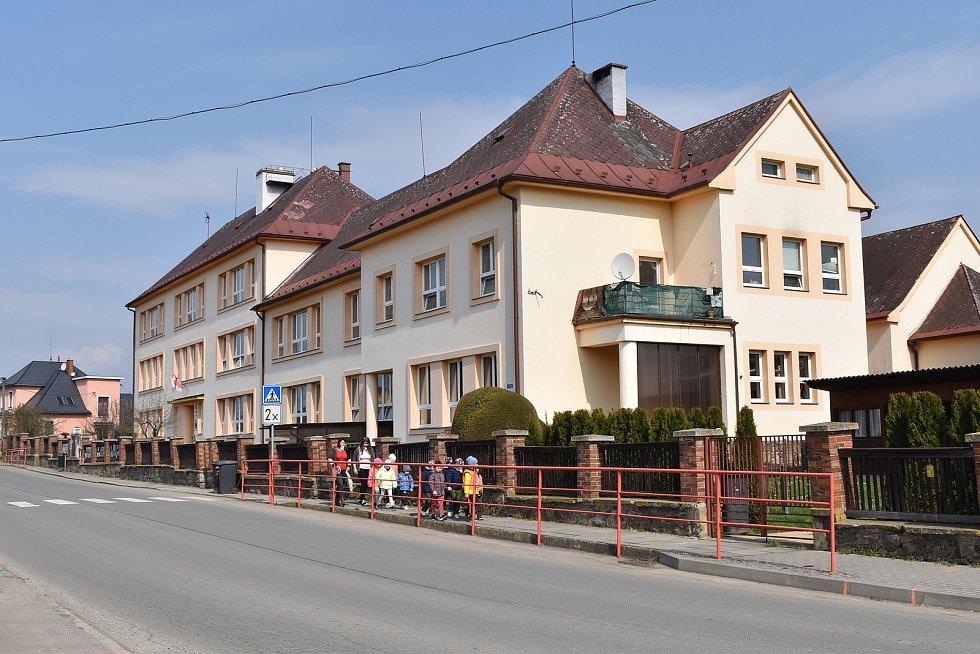 Město Úsov - škola