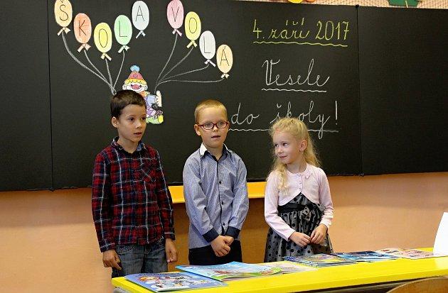 Žáci prvního ročníku Základní školy Brníčko