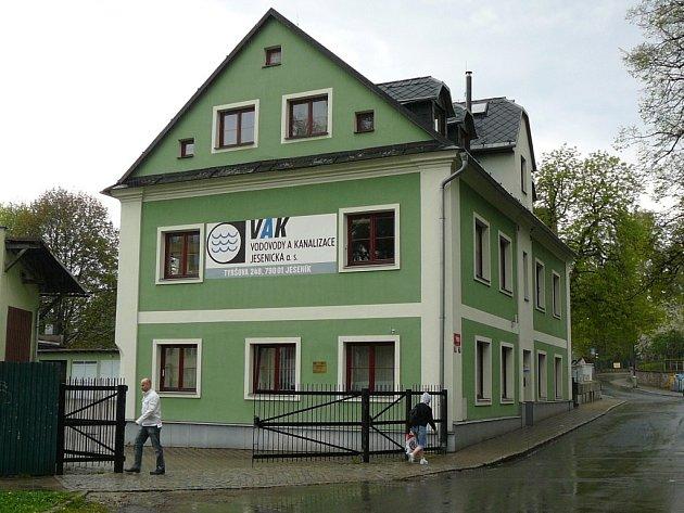Sídlo společnosti Vodovody a kanalizace Jesenicka v Tyršově ulici v Jeseníku.