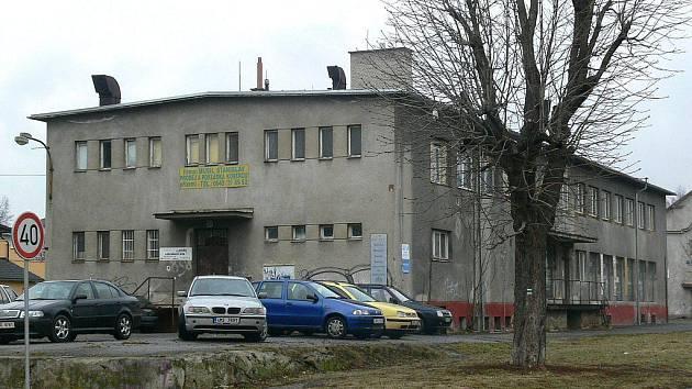 Objekt v areálu bývalých kasáren bude město Šumperk dražit 2. března