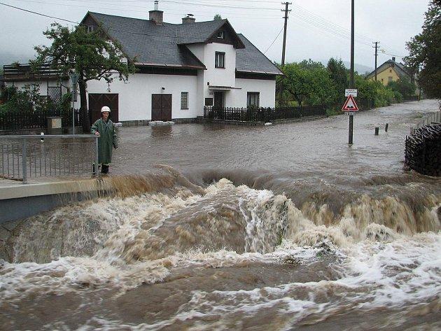 Stav ohrožení na Jesenicku: Stará Červená Voda.
