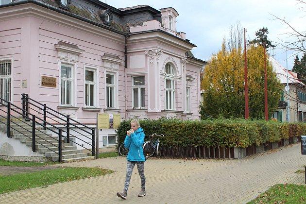 Městská knihovna v ulici 17. listopadu v Šumperku.
