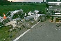 Tragická nehoda mezi Vápennou a Žulovou.