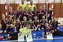 Fotbalová přípravka Šumperku veze dvě medaile z turnaje Bajer Cup Holice