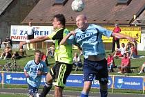 Fotbalisté Zábřehu (modré dresy) porazili juniorku Sigmy