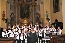 Na třiadvacátém ročníku festivalu Kálikův podzim v Zábřehu vystoupil komorní sbor Florián z Jeseníku, pěvecký sbor Bernardini z Břidličné, smíšený pěvecký sbor z Kopřivnice (na snímku) a domácí Smíšený pěvecký sbor Carmen.