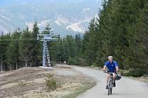 Většina tras v novém Bike parku v Koutech nad Desnou vede od horní stanice lanovky