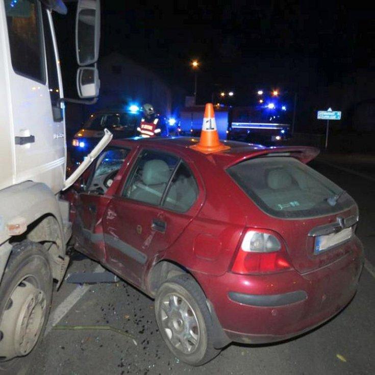 Řidič roveru vjel v pátek 4. listopadu v Jeseníku z vedlejší ulice přímo před kamion značky Man. Vyvázl s lehkým zraněním.