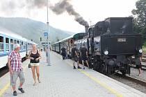 Historický expres Králický Sněžník na nádraží v Hanušovicích
