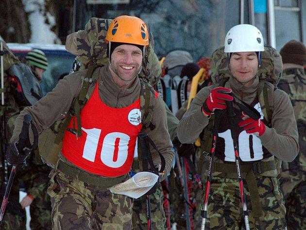 Snímky z druhého dne soutěže Winter Survival
