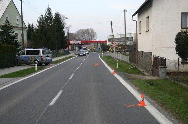 Místo, kde neznámý srazil cyklistku.