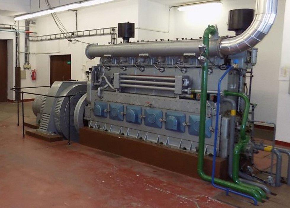 Dálkově ovladatelný dieselagregát umožní spuštění vody zhorní nádrže, roztočení turbíny a postupné dodání napětí přes rozvodnu Krasíkov až do Elektrárny Chvaletice.