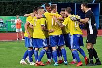 Fotbalisté Šumperka (ve žlutém). Ilustrační foto